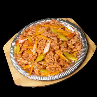 Ароматная говядина на чугунной сковороде 铁板牛肉