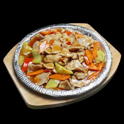 Ароматная свинина на чугунной сковороде 铁板猪肉