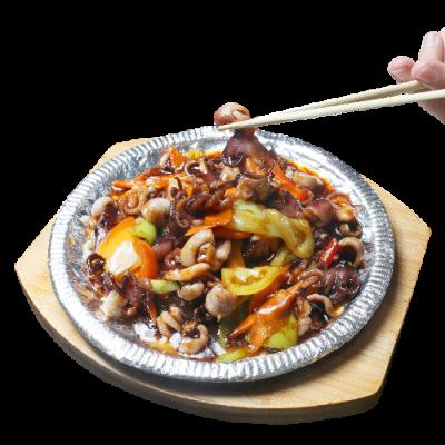 Осьминоги в чесночном соусе на чугунной сковороде 铁板八爪鱼