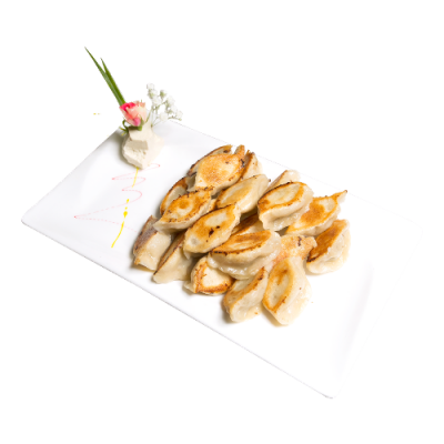 Жареные китайские пельмени с начинкой из говядины, кинзы и зел. лука 牛肉香菜锅烙